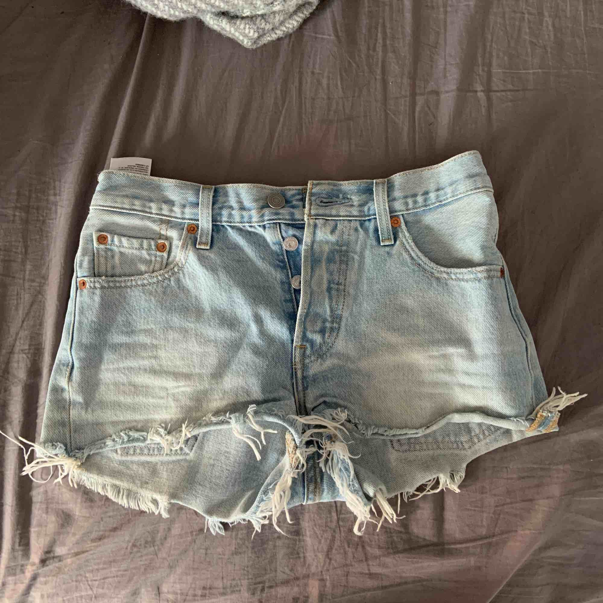 Shorts från Levis i strl XS . Shorts.