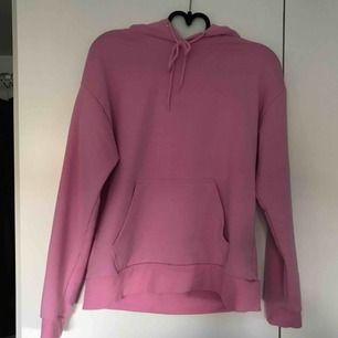 Supermysig rosa hoodie från carlings. Köparen står för frakten!✨✨
