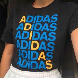 Adidas T-shirt i bra skick 💫