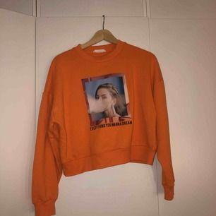 Snygg tröja från Mango! använd 2 gånger.