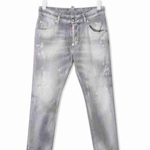 Äkta dsquared jeans. Köpta från farfetch. Barnstorlek 14Y men passar S till M i dam och S i herr.