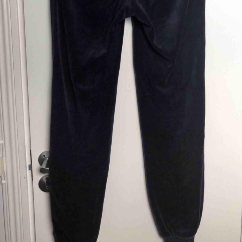 Velour mjukisbyxor.. Jeans & Byxor.