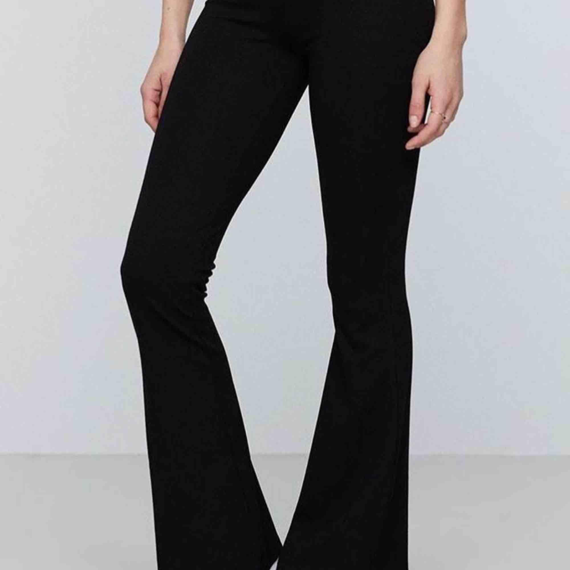 Bootcut från Gina, leggings 🥰. Jeans & Byxor.