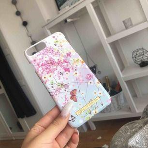 Ideal of Sweden skal  iPhone 6,7,8 PLUS 100kr