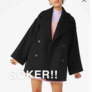 Söker denna kappan från Monki eller annan liknande. Slut på hemsidan därav kollar jag här! Hör av dig om du har eller vet någon som har❤️