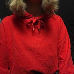 Oversized röd hoodie