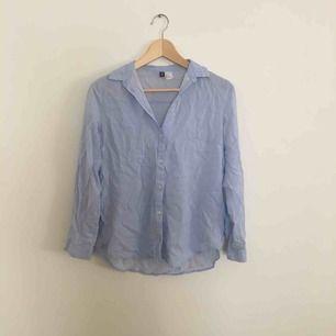 randig skjorta från hm, säljer pga av att den e för liten. Frakt tillkommer