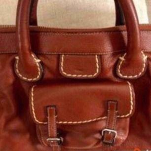 Väska Chloe Edith. Använd men fin - rymlig. Äkta skinn Skickas spårbart för 63kr som köparen står för.