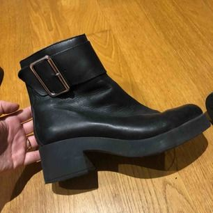 Superfina boots med klack! Minns ej märket, men köpte på en skobutik för ca 1600 kr☺️ nästan helt oanvända!