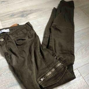 cargo jeans från berska, finns ej kvar i butiken