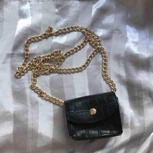 Mini bag oanvänd boohoo