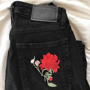 Jeans från hm med brodyr!