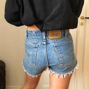 Trendiga Levi's shorts i jeans. W:31 L:32