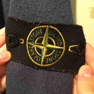 Mörkblå vintage si-tröja. Stl XXL men krympt i tvätten så numera en M