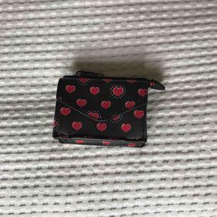 Söt liten plånbok från Mango, oanvänd❤️