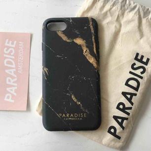 Oanvänt mobilskal från Paradise Amsterdam! Passar till IPhone 7 och 8. Ordpris 300 kr. Frakt ingår i priset!
