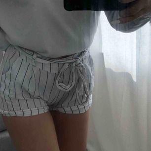 Söta shorts, aldrig använda förutom på bilden. 60 inkl frakt:)