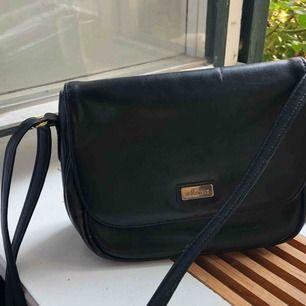 Rymlig snygg väska!