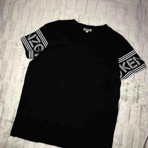Kenzo tröja använd sällan. Köparen står för frakten.