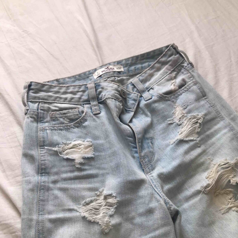 Hollister boyfriend jeans, midjemått 24 . Jeans & Byxor.