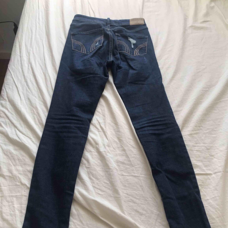 Hollister jeans, midjemått 24 . Jeans & Byxor.