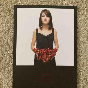 Foil print från bring me the horizon, mycket begränsad upplaga. Säljer pga gillar ej deras musik längre :)