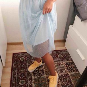 Assåååå verkligen världens finaste kjol men som sagt är detta inte min stil tyvärr. Hoppas nån av er har. Pris kan diskuteras 🌸