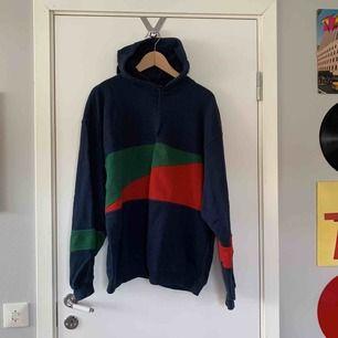 Jätte skön stor hoodie, köpt på Humana