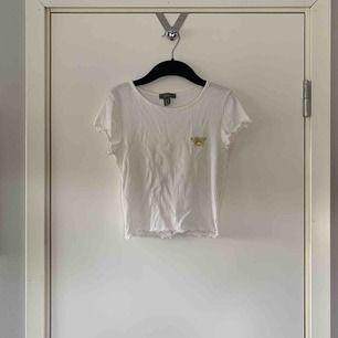Super gullig T-shirt från primark. jätte liten i storleken så den skulle passa någon som har XS