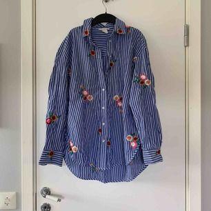 Oversized skjorta från hm