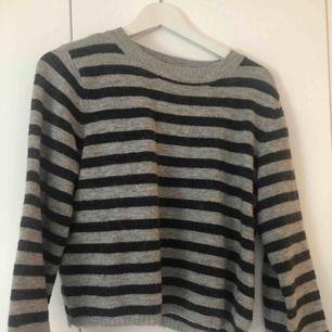 Jättefin tröja från Bikbok. Oversized modell så passar S jättebra!
