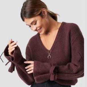Linn Ahlborg x nakd stickad tröja. Köpt för 299, fint skick använd fåtal ggr. Köparen står för frakt