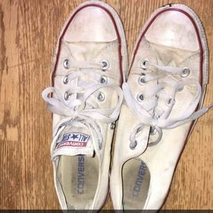 Converse skor, lite smutsiga men tvättat såklart innan levereras
