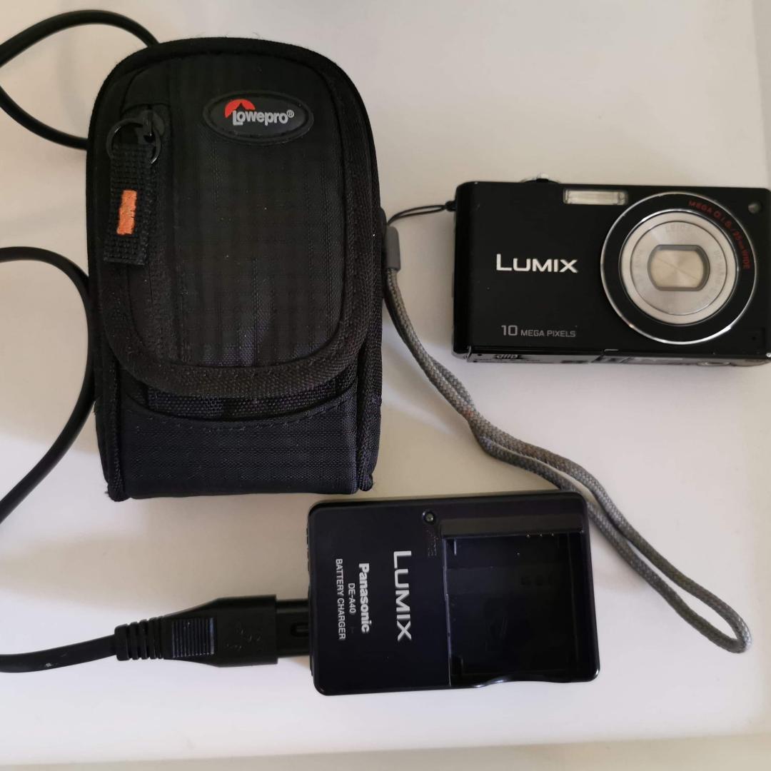 Lumix kamera, lite använd. . Övrigt.