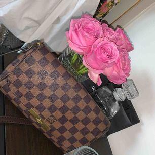 Louis Vuitton väska, inte äkta