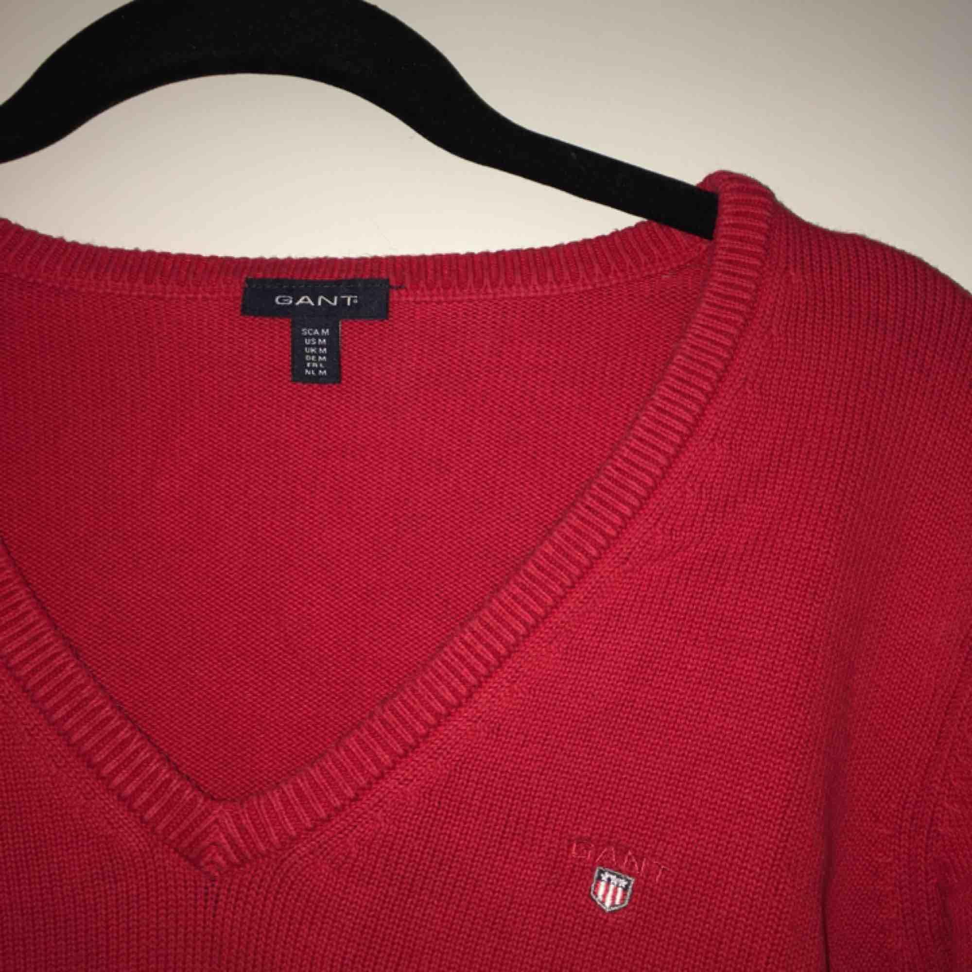 Stilren super snygg tröja från GANT i stl. M, sitter bra på mig som är en S💛 frakt tillkommer💌. Toppar.