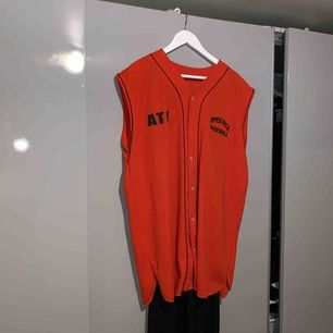 Oversize baseball linne orange old school linne, super snygg på och en Taste of Vintage