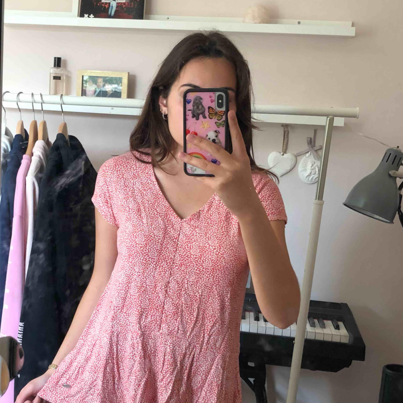 Suuuuuperskön och söt tröja som inte längre används då det inte är min stil längre 💖. Toppar.
