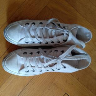 Converse All star höga monochrome   Vita Storlek 36,5 men är mer som 37 Köpare står för frakt
