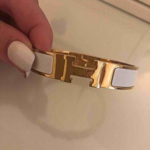 Fint armband.
