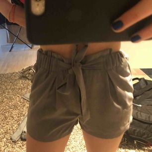 Gråa kostym shorts från bik bok, nyskick. Möts upp i Stockholm