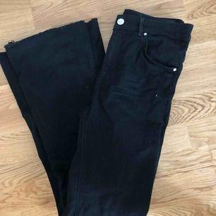 bootcut jeans från bik bok🤩köpta för 600 kr och knappt använda!🍂