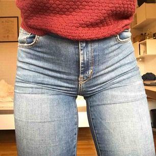 Jeans ifrån BikBok i storlek S. I väldigt bra skick. Möts upp i Umeå eller fraktar💕
