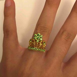 Supersöt unik ring, justerbar!👑 frakt ingår i priset