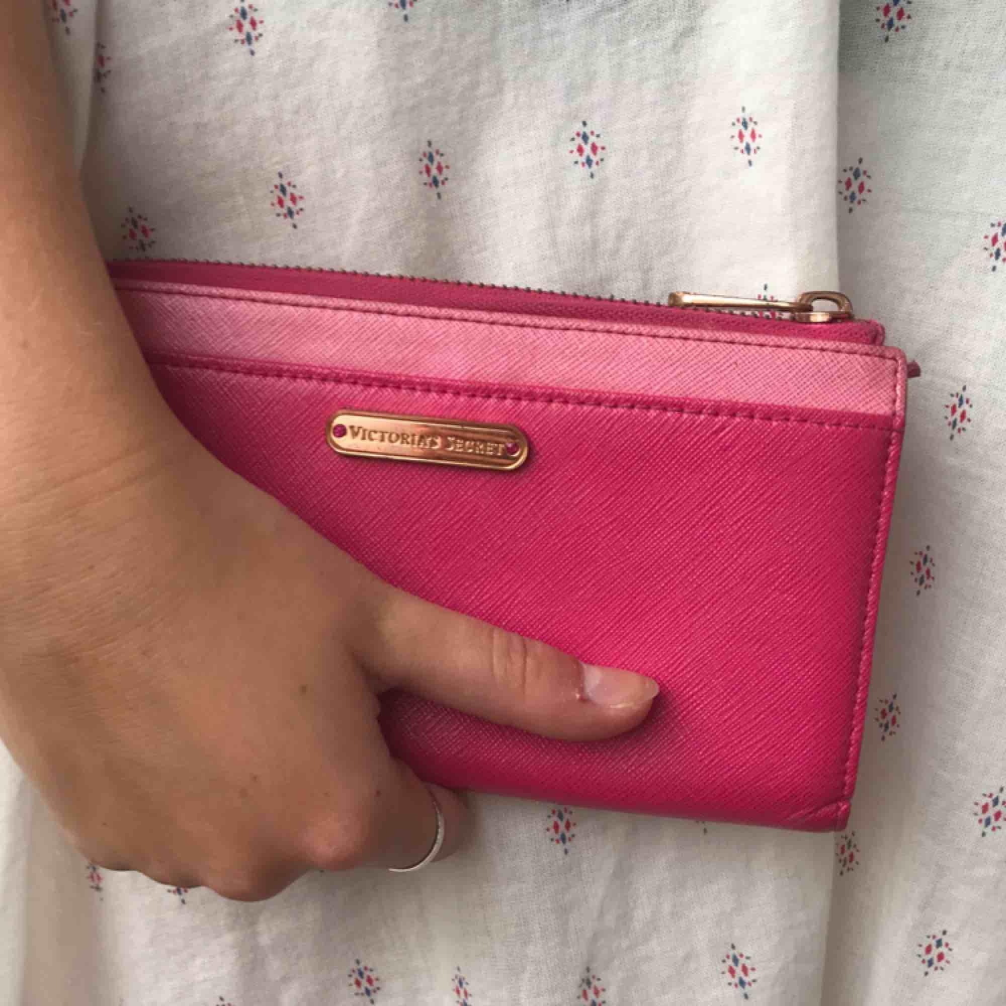 Rosa plånbok, vintage. Accessoarer.