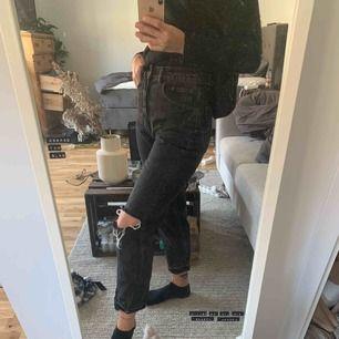 Svarta urtvättade jeans från cheap monday, priset är inklusive frakten 🌸
