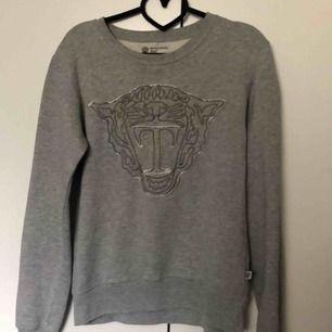 Tiger of Sweden tjocktröja/ sweatshirt i storlek S. Bra skick, köparen står för frakt 💕