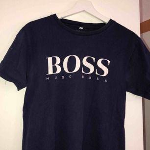Super snygg Hugo boss tröja!!!!