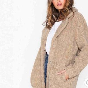 Teddy jacket, använd endast en gång. Storlek XS