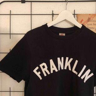 Franklin Marshall T-shirt. Frakt 45 kr